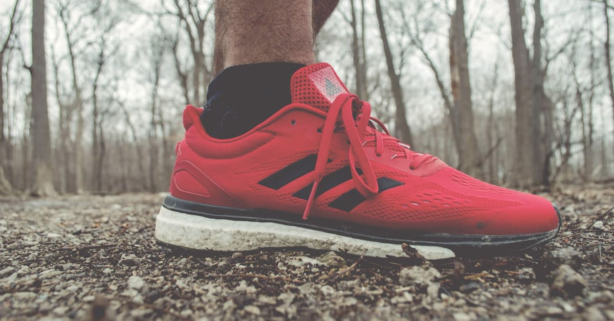 running trainers red